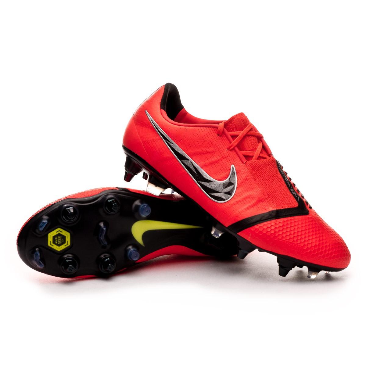 6a25764c3a4d Nike Phantom Venom Elite SG-Pro ACC Football Boots. Bright crimson-Black ...