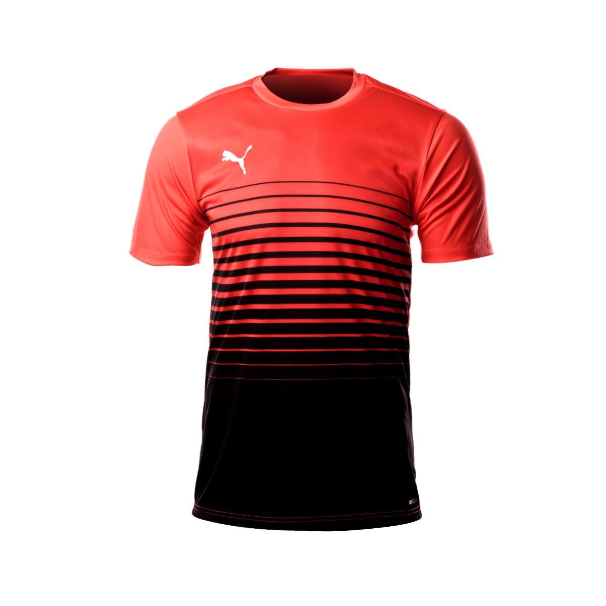 timeless design 0d553 e7e4a Camiseta ftblPLAY Graphic Red blast-Black