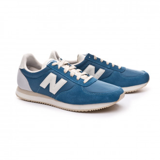 Sapatilha  New Balance 220 Light blue