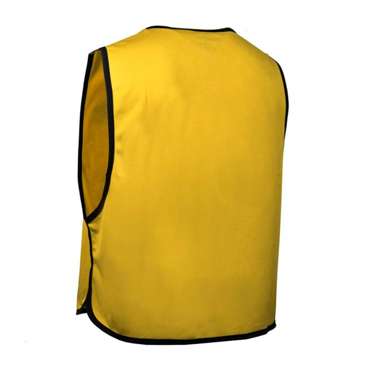 peto-umbro-hunter-amarillo-1.jpg