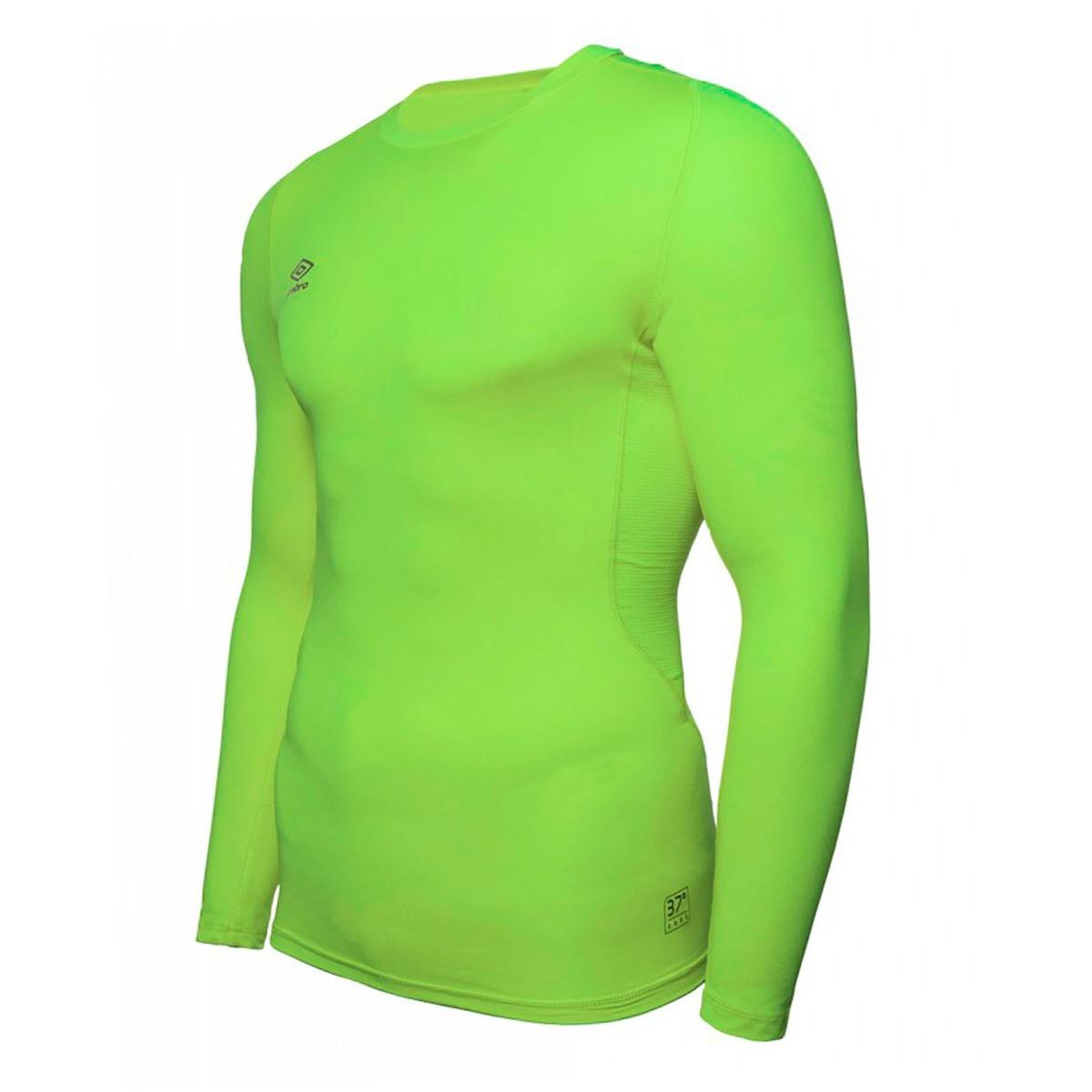 60f6ed6bd9 Camiseta Umbro térmica Core Crew m l Verde - Soloporteros es ahora Fútbol  Emotion