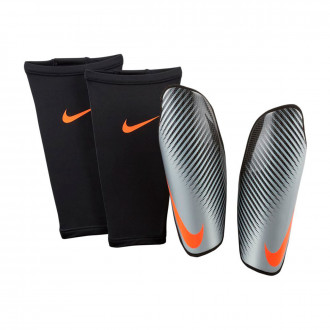 Shinpads  Nike Attack CF Elite Carbon-Metallic silver-Hyper crimson