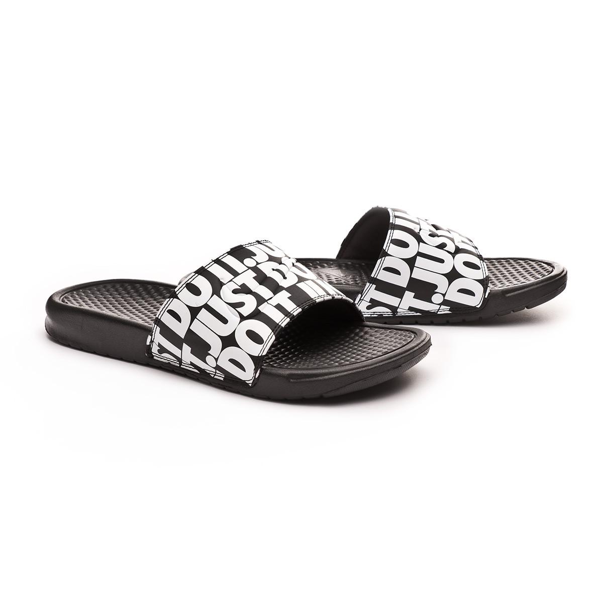 7efce47dc Chinelo Nike Benassi