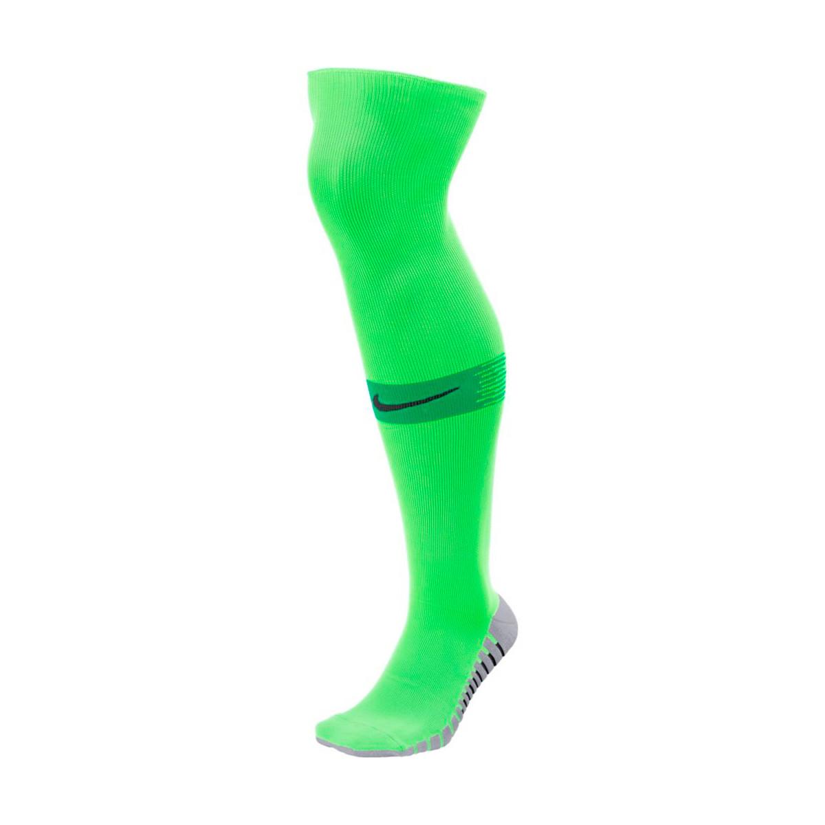 55d0c9796bbc Football Socks Nike Team Matchfit Over-the-Calf Green strike-Green ...