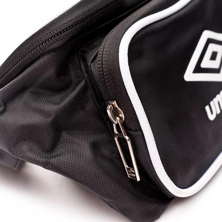 mochila-umbro-rinonera-retro-waistbag-10l-black-white-3.jpg