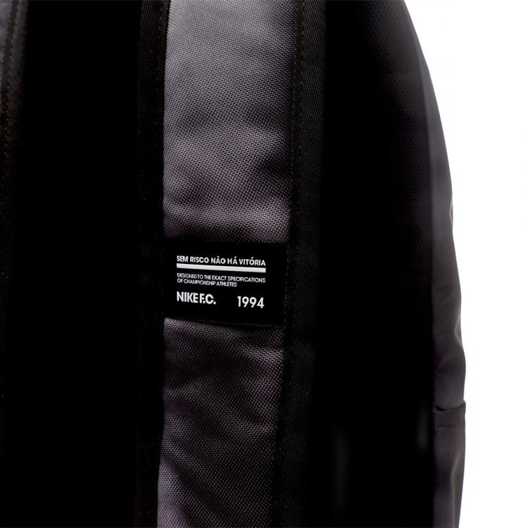 mochila-nike-f.c-black-white-3.jpg