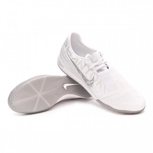 Kosciuszko Monótono patata  Futsal Boot Nike ZOOM Phantom Venom Pro IC White-Chrome-Metallic silver -  Football store Fútbol Emotion