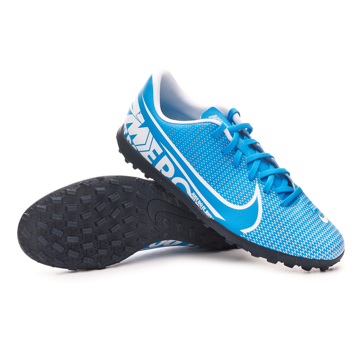 Chuteira Nike Mercurial Vapor XIII Club Turf