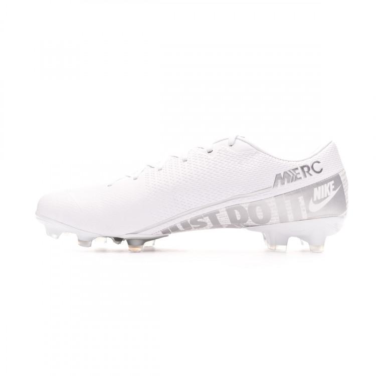bota-nike-mercurial-vapor-xiii-academy-fgmg-white-chrome-metallic-silver-2.jpg