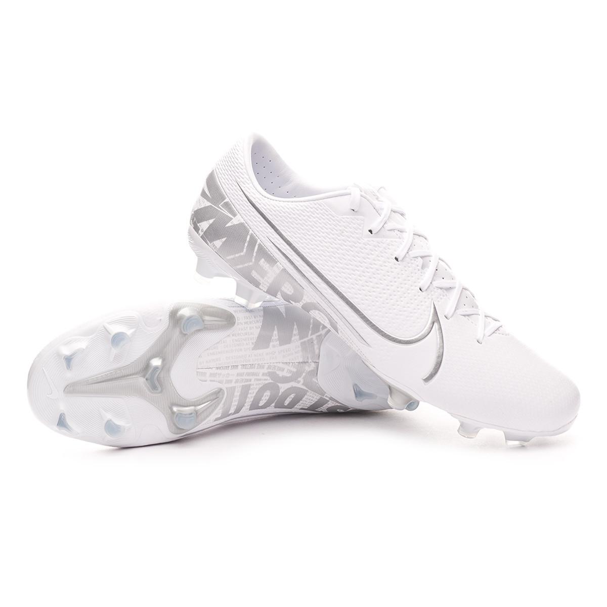 Arrugas Autorizar en el medio de la nada  Football Boots Nike Mercurial Vapor XIII Academy FG/MG  White-Chrome-Metallic silver - Football store Fútbol Emotion