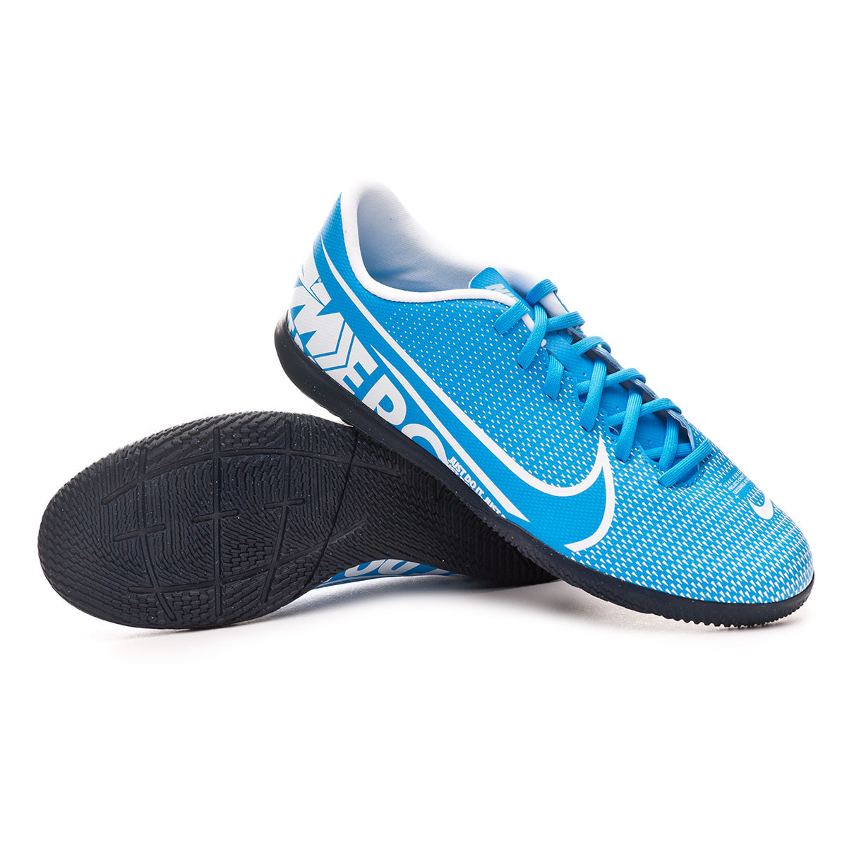 chaussure futsal nike adulte