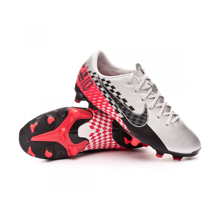 bota-nike-mercurial-vapor-xiii-academy-fgmg-neymar-jr-nino-chrome-black-red-orbit-platinum-tint-0.jpg