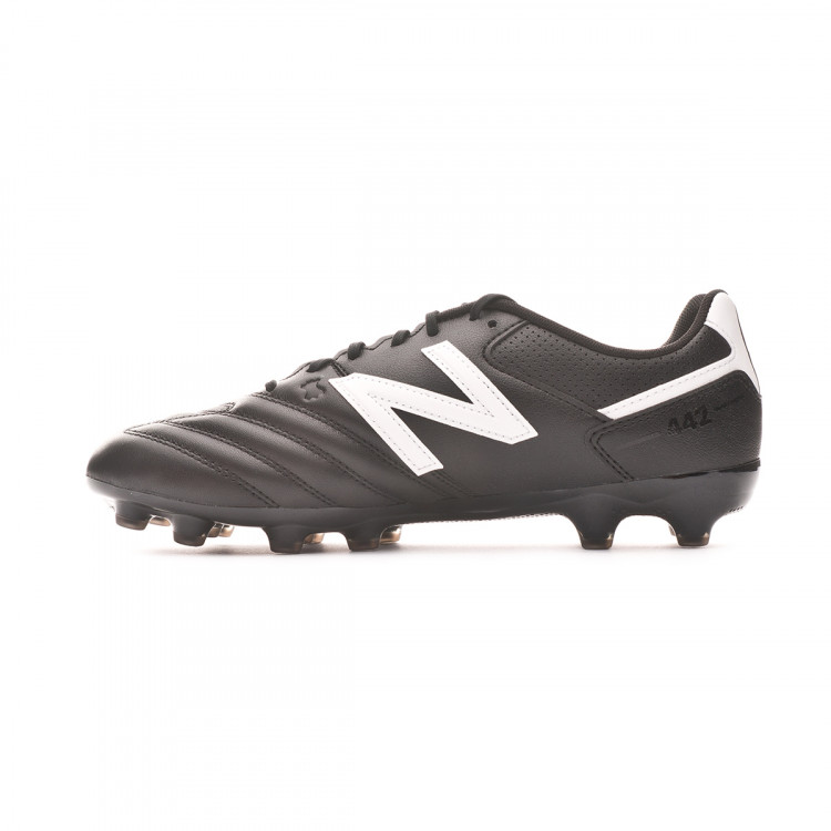 bota-new-balance-442-team-ag-black-white-2.jpg