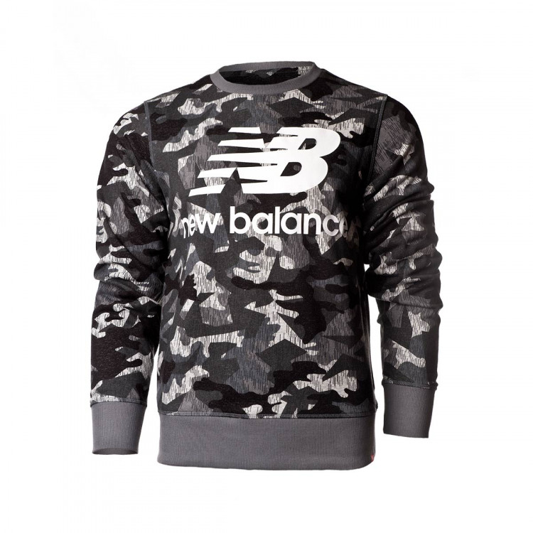 sudadera-new-balance-printed-essentials-stacked-logo-crew-camo-1.jpg