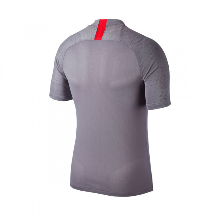 camiseta-nike-atletico-de-madrid-breathe-strike-2019-2020-gunsmoke-thunder-grey-sport-red-1.jpg