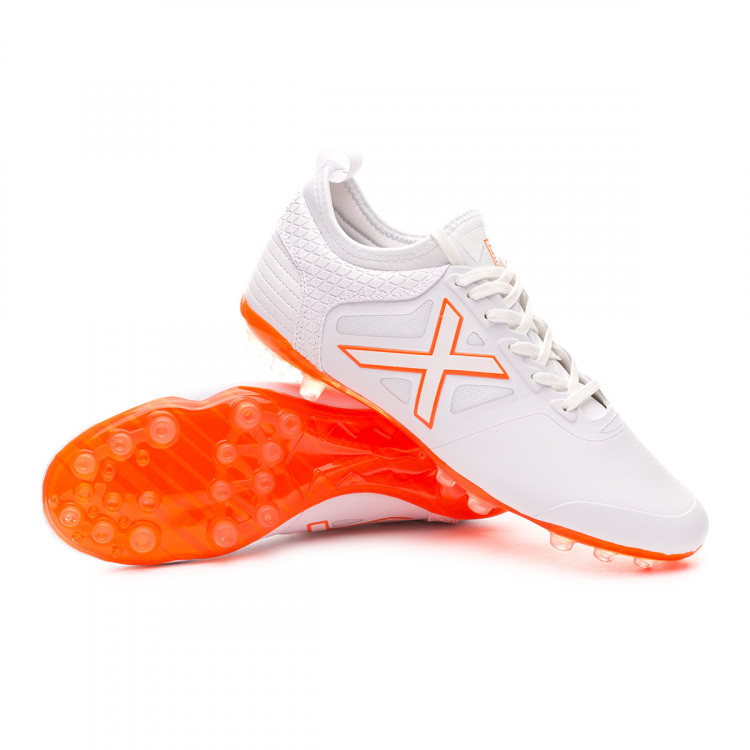 bota-munich-tiga-mundial-white-orange-0.jpg