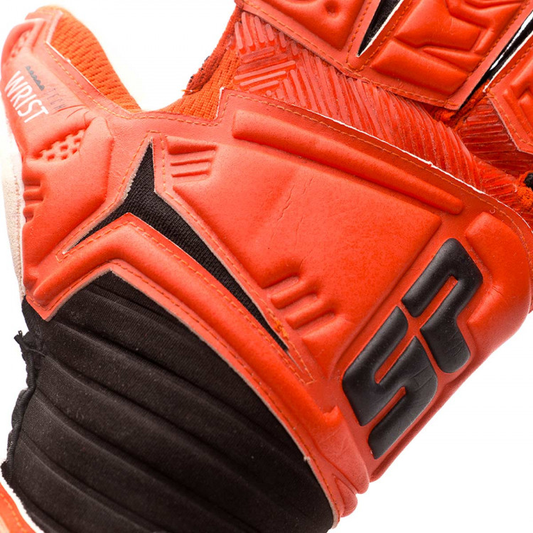 guante-sp-futbol-caos-pro-strong-naranja-negro-4.jpg