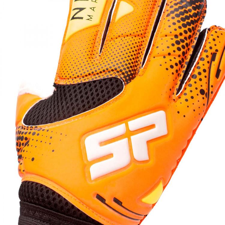 guante-sp-futbol-nil-marin-iconic-protect-nino-naranja-negro-volt-4.jpg