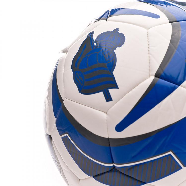 balon-macron-real-sociedad-2019-2020-white-blue-2.jpg