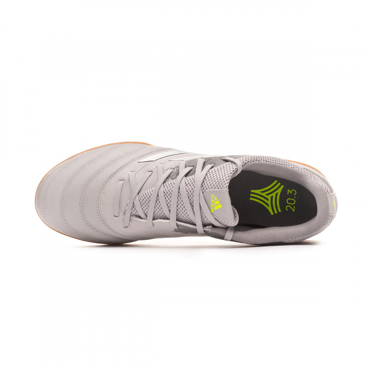 zapatilla-adidas-copa-20.3-turf-grey-two-silver-metallic-solar-yellow-4.jpg