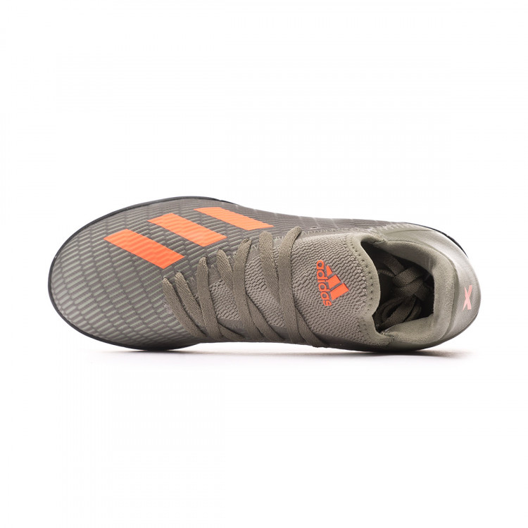 zapatilla-adidas-x-19.3-turf-nino-legacy-green-solar-orange-chalk-white-4.jpg