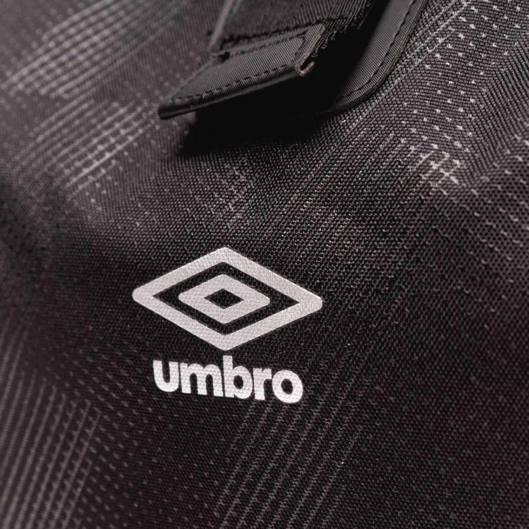 mochila-umbro-rolltop-backpack-40l-black-silver-2.jpg