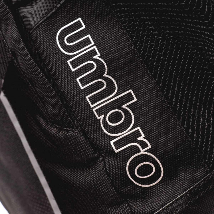 mochila-umbro-rolltop-backpack-40l-black-silver-3.jpg