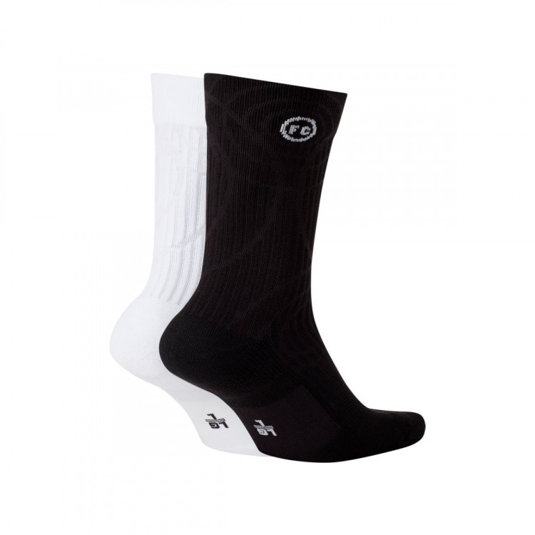 calcetines-nike-nike-f.c.-sneaker-sox-essential-black-white-black-1.jpg