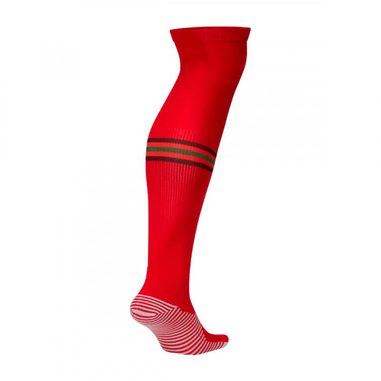 medias-nike-portugal-stadium-otc-primera-equipacion-2020-2021-gym-red-challenge-red-pine-green-1.jpg