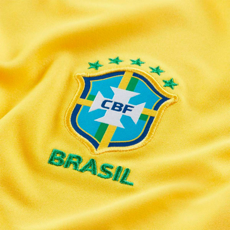 camiseta-nike-brasil-stadium-primera-equipacion-2020-2021-mujer-midwest-gold-lucky-green-2.jpg