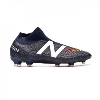 Ridículo versus tugurio  Football gear from New Balance. - Football store Fútbol Emotion