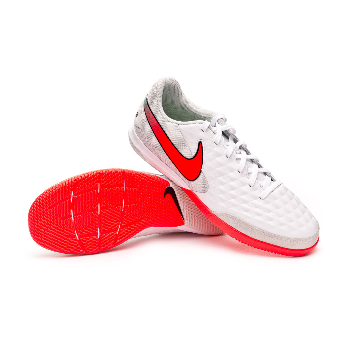 chaussure de futsal nike