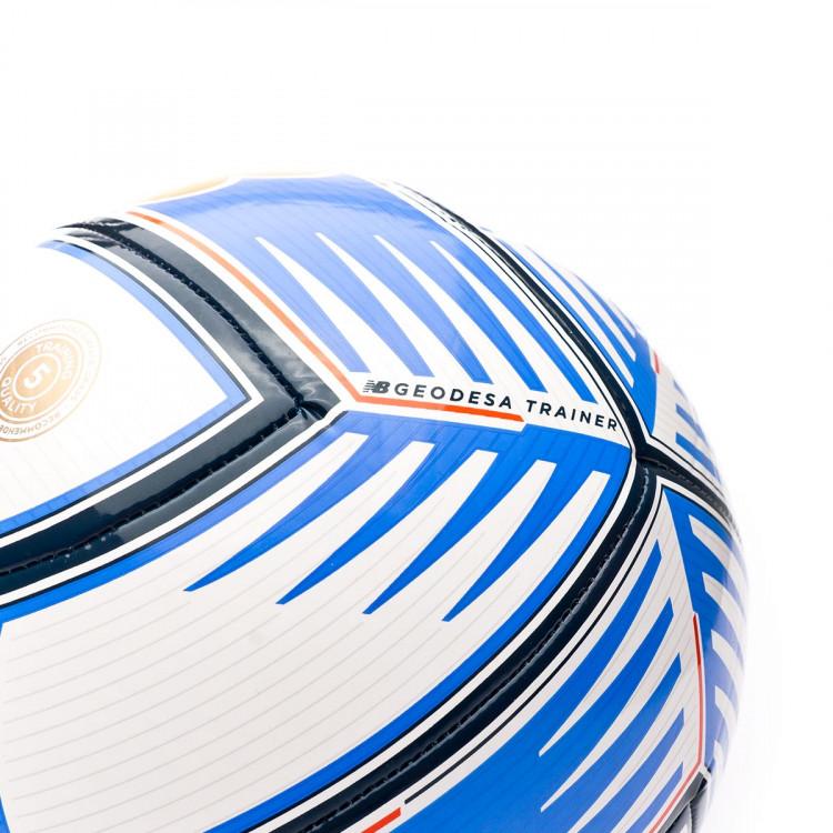 balon-new-balance-geodesa-training-white-cobalt-2.jpg