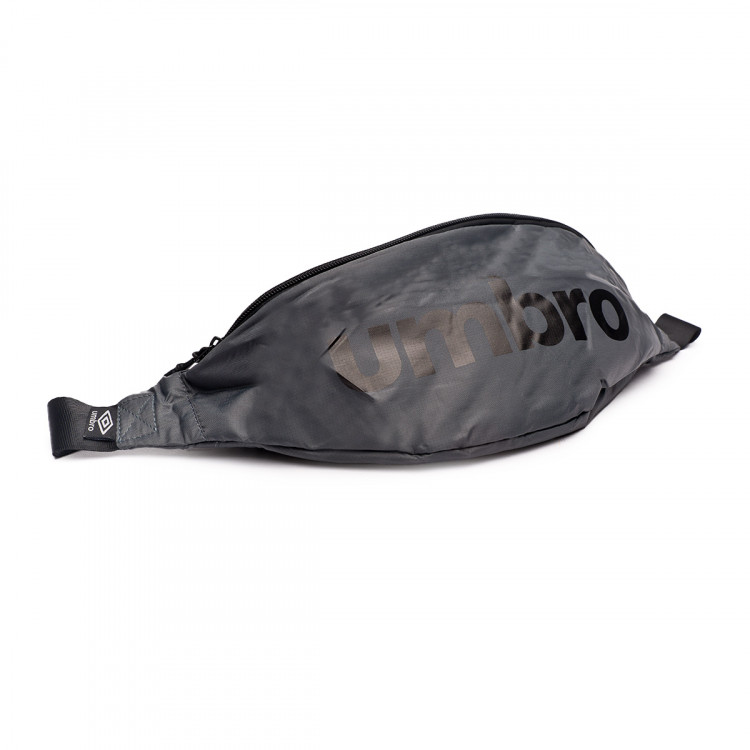 bolsa-umbro-rinonera-padded-graphite-black-0.jpg