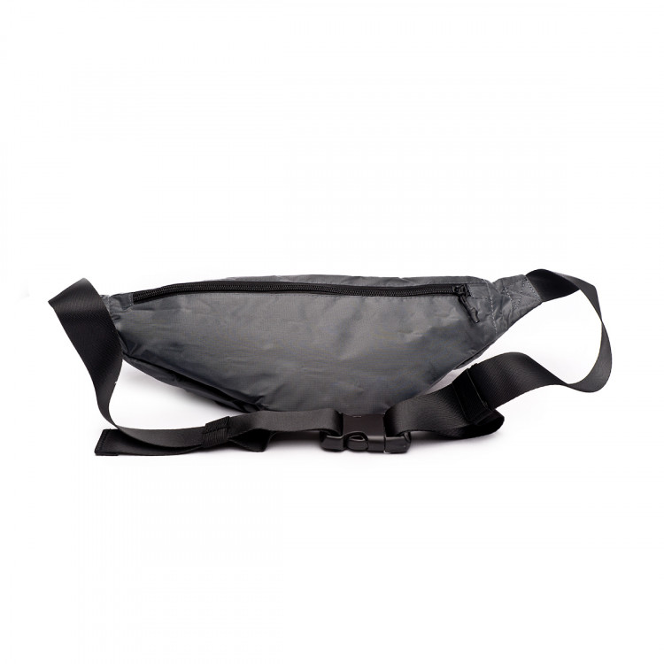 bolsa-umbro-rinonera-padded-graphite-black-4.jpg