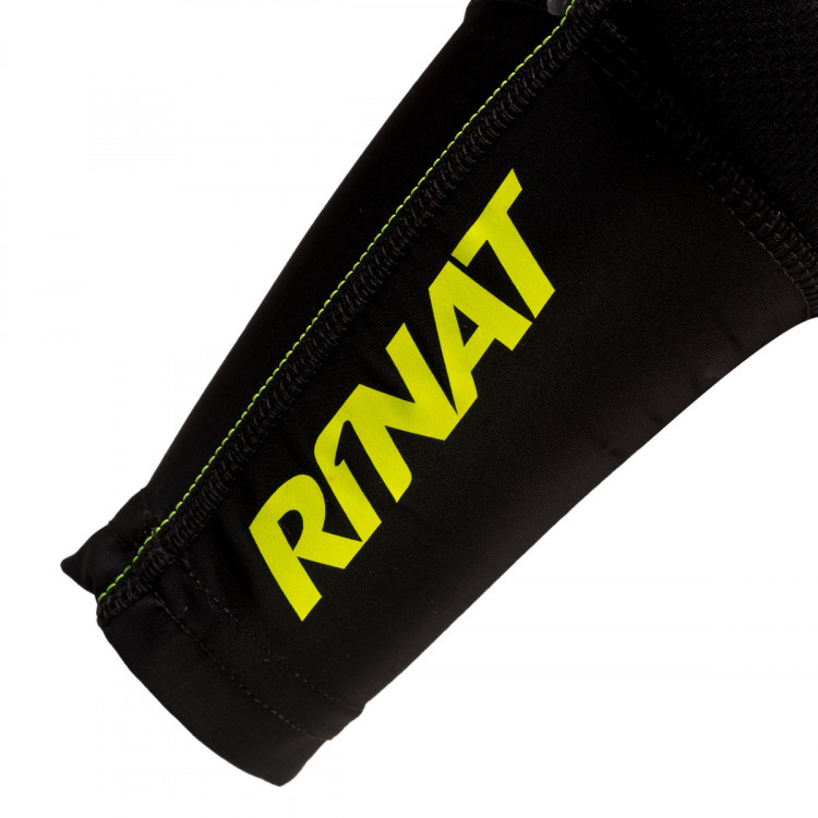 coderas-rinat-arm-guard-negro-3.jpg