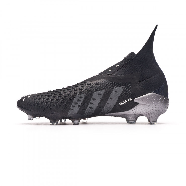 bota-adidas-predator-freak-fg-black-grey-four-white-2.jpg
