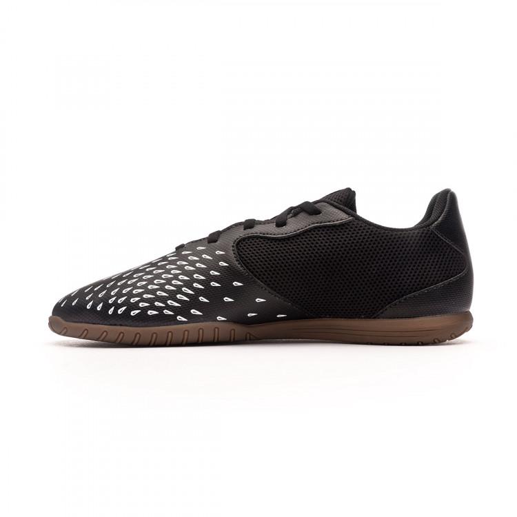 zapatilla-adidas-predator-freak-.4-in-sala-core-black-white-1.jpg