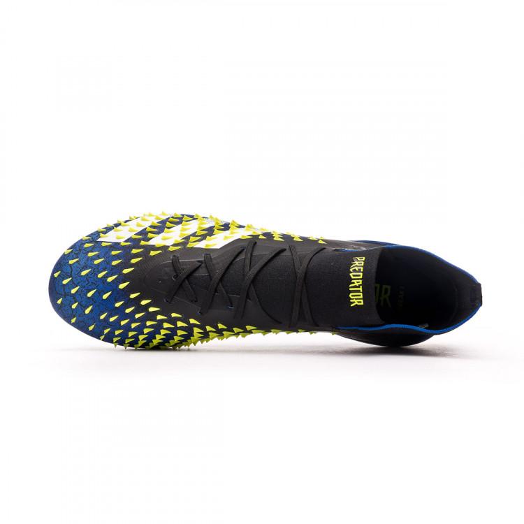 bota-adidas-predator-freak-.1-ag-black-white-solar-yellow-4.jpg