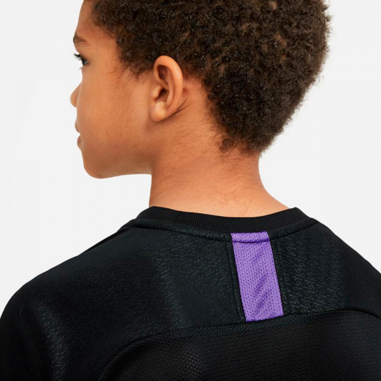 camiseta-nike-kylian-mbappe-dri-fit-nino-black-fierce-purple-hologram-3.jpg