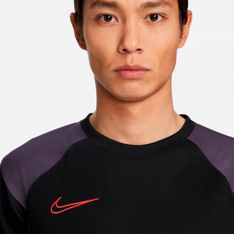 camiseta-nike-dri-fit-academy-fp-mx-black-dark-raisin-siren-red-siren-red-2.jpg