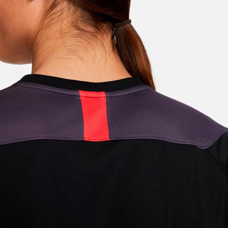 camiseta-nike-dri-fit-academy-fp-mx-black-dark-raisin-siren-red-siren-red-3.jpg