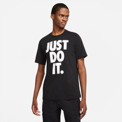 camiseta-nike-sportswear-icon-just-do-it-hbr-black-white-0.jpg