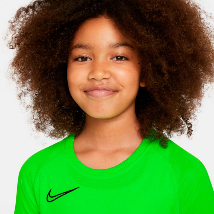 camiseta-nike-dri-fit-academy-top-ss-nino-green-strike-black-3.jpg
