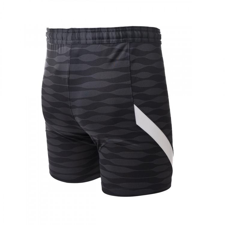 1619478552pantalon-corto-nike-dri-fit-strike-knit-nino-negro-1.jpg