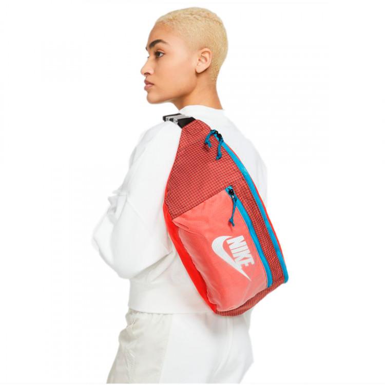 bandolera-nike-tech-waistpack-chile-red-dark-cayene-3.jpg
