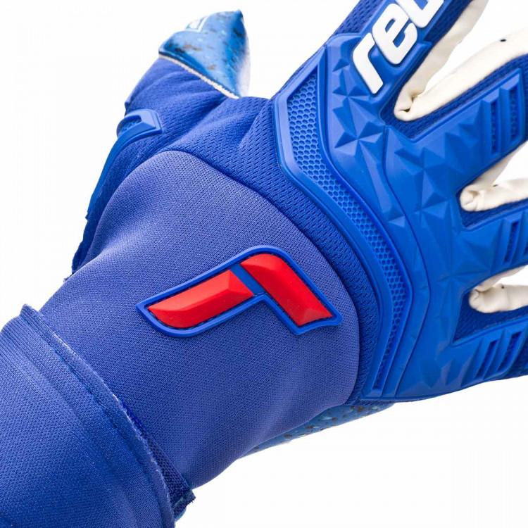 guante-reusch-attrakt-freegel-fusion-goaliator-azul-4.jpg