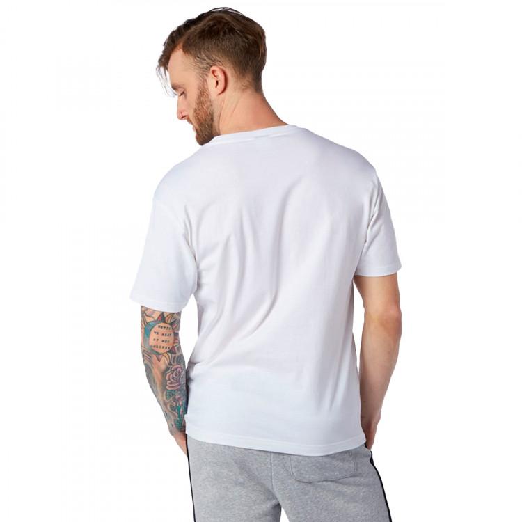camiseta-new-balance-essentials-logo-white-1.jpg