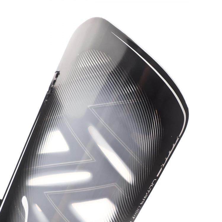 espinillera-puma-ultra-light-strap-negro-1.jpg