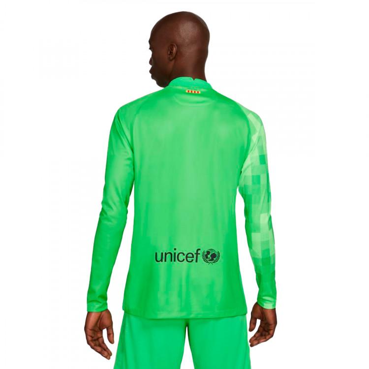 camiseta-nike-fc-barcelona-stadium-segunda-equipacion-portero-2021-2022-green-spark-green-strike-1.jpg